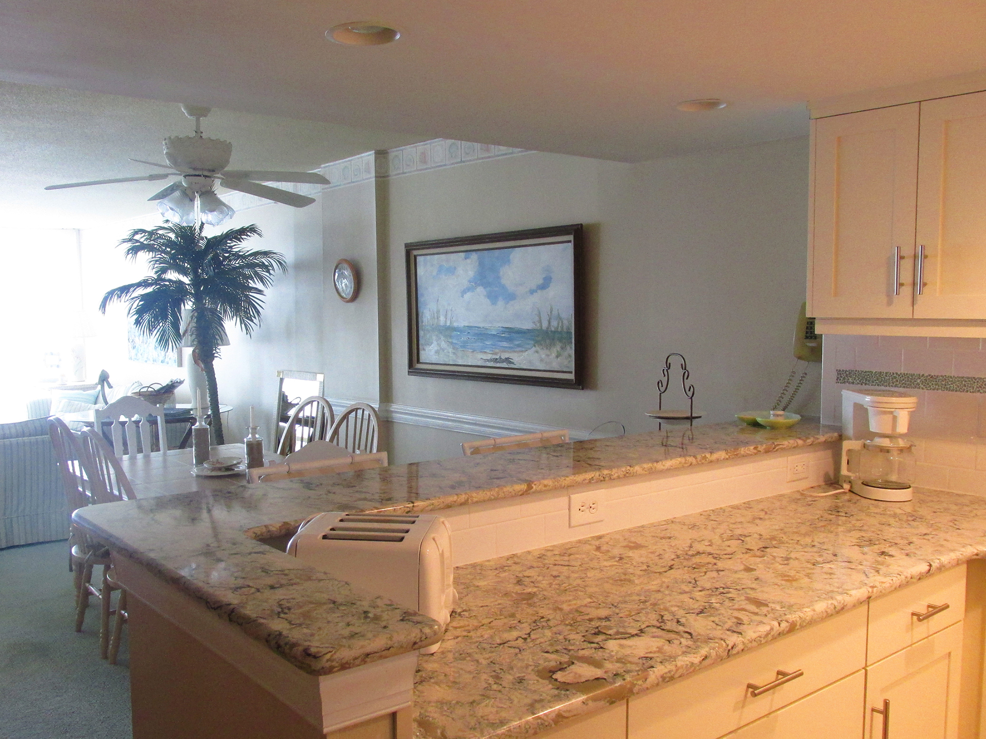 Vacation Renta  Edgewater Condominiums 3615 Atlantic Avenue #402 Virginia Beach, VA