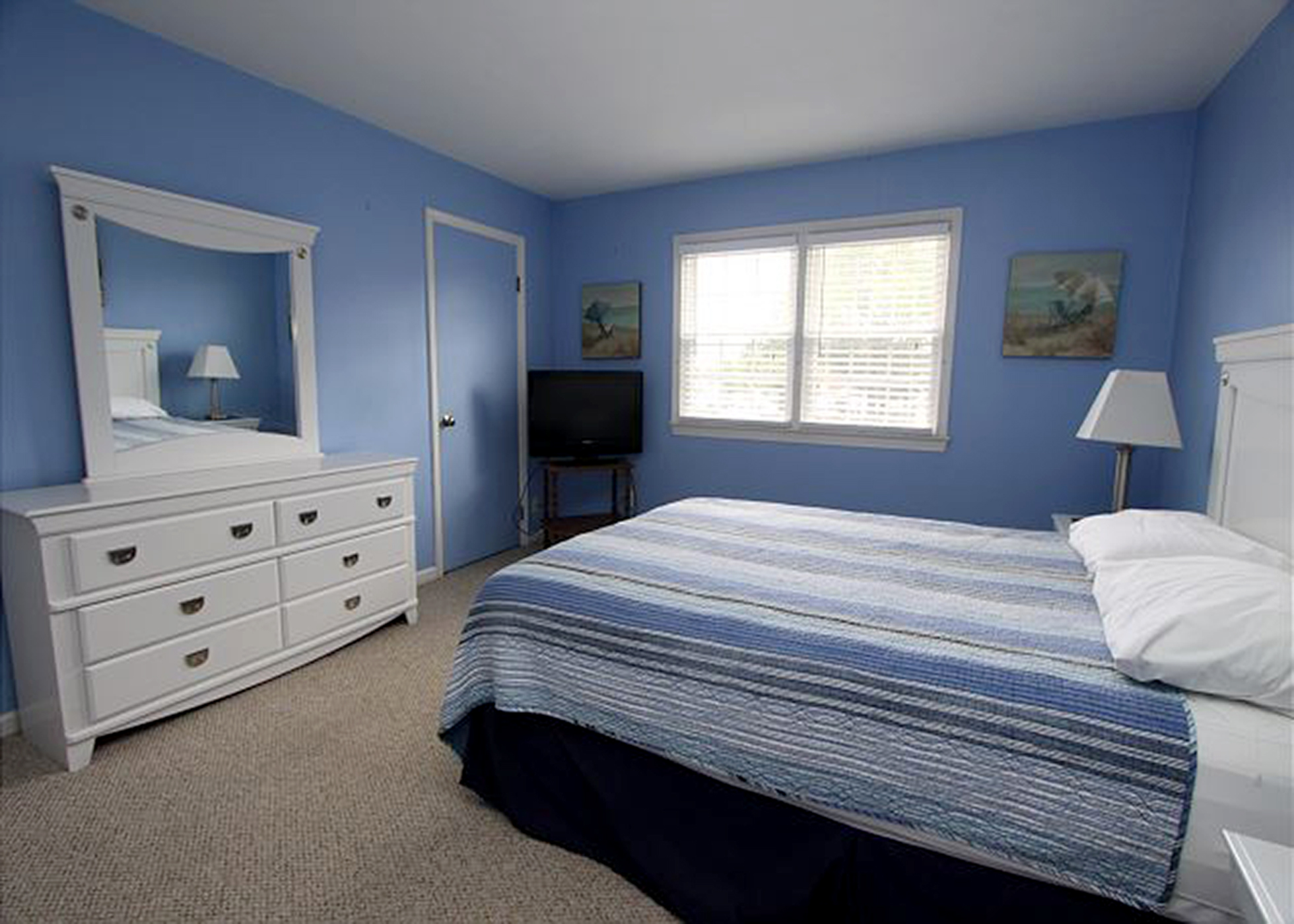Vacation Rental 401 21st Street Unit #7- KELLEY'S KORNER Virginia Beach, VA